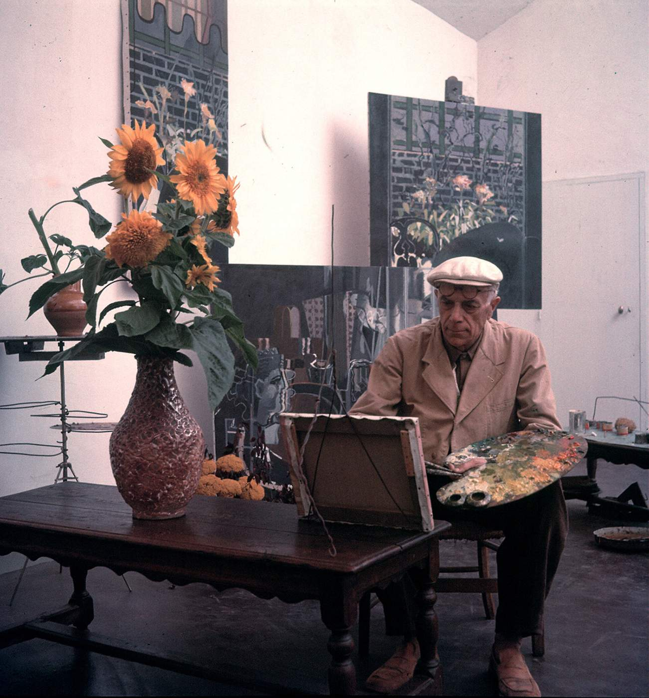Georges Braque in his studio, Paris © Photo by Gjon Mili\/The Life Picture Collection\/Getty