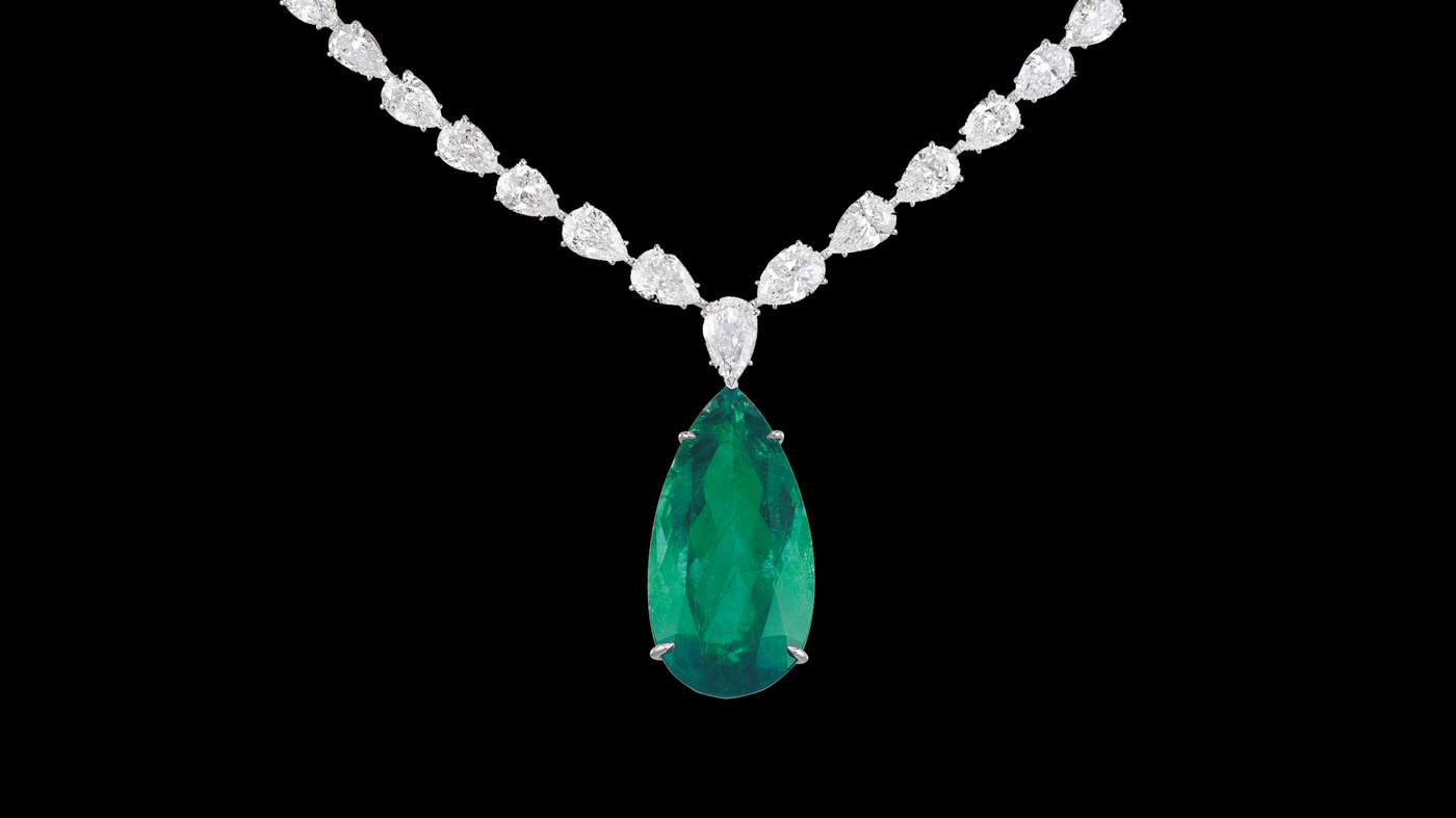 36cca9dafa47f Chopard Red Carpet collection platinum and pear shaped diamond necklace  with 53 carat emerald