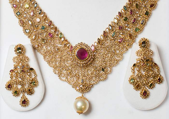 collection and exclusive chains gold jewellery set bridal indian